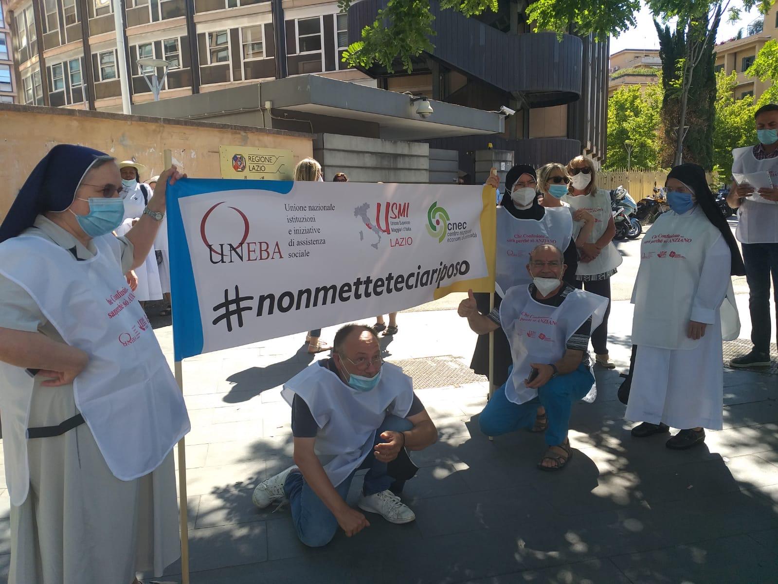 Lazio – Le richieste delle case di riposo alla Regione: successo del flash mob con Uneba